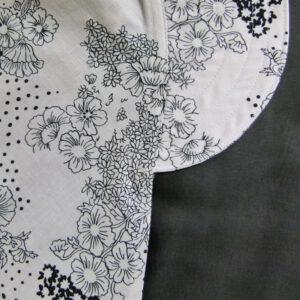 Lippahuivi Valkea-musta kukilla